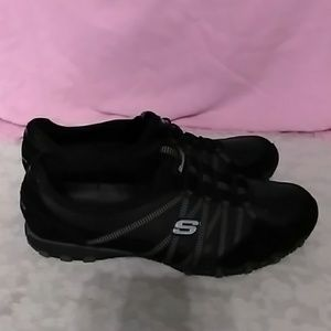 Skechers Bungee Slip On